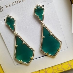 NWT Kendra Scott Emerald Alexa Earrings in Gold
